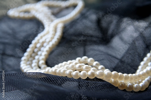 poster of necklace of pearls