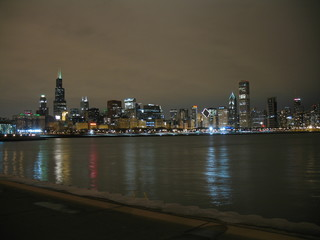 chicago skyline night view