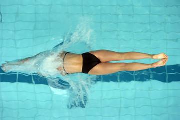female swimmer start