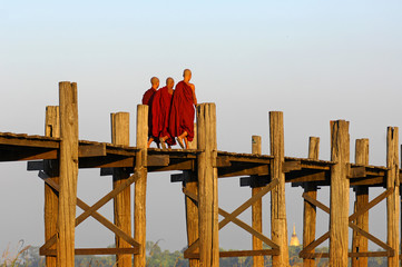 myanmar, amarapura, u bein bridge; stunning sundown from u bein