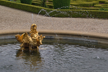 gold fountain