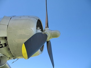 douglas dc-3 engine and propeller