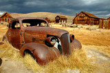 rusty car at bodie-