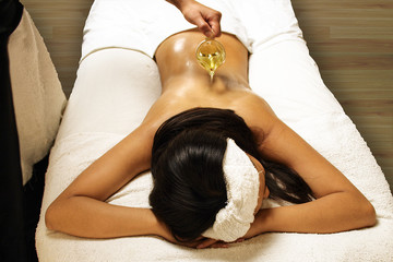 oil massage at spa
