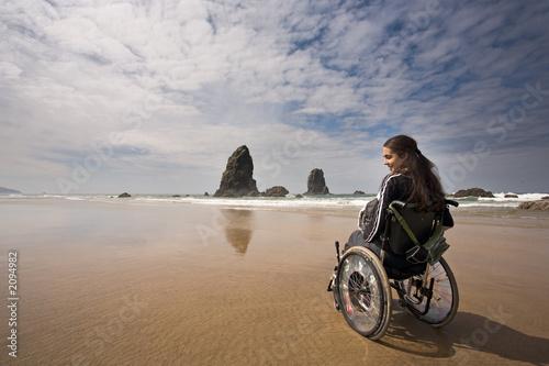 Fototapete Wasser - Strand - Leute am Strand - am Meer - an der See - Poster - Aufkleber