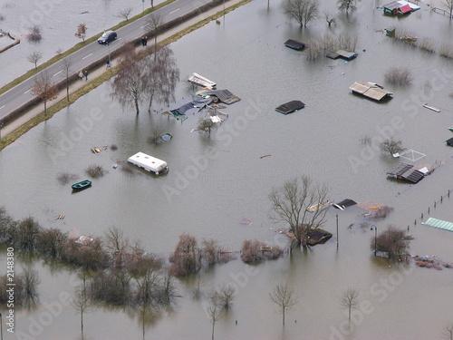 überschwemmung campingplatz - 2148380