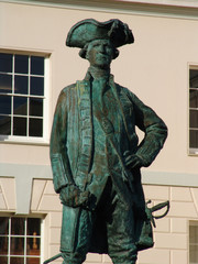 captain cook statue in greenwich