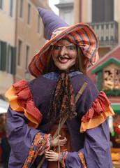 strega in piazza