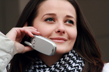 atractive woman on the phone
