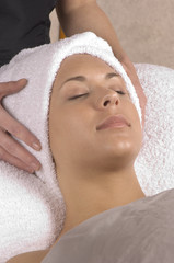 spa relaxation hands on