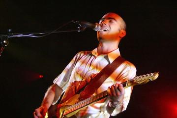 chanteur guitariste en concert - pilarsky