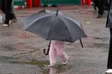 příliš velký deštník