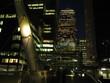 vista notturna di canary warf
