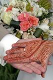 mains couple mariés oriental poster