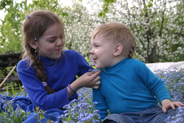 childern in blue_3