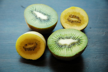 golden kiwi and jumbo green kiwi
