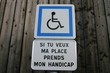 parking réservé aux handicapés