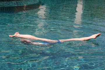 synchronized swimming,the splits