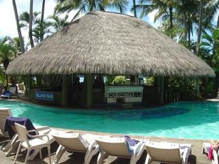 hamilton island pool bar
