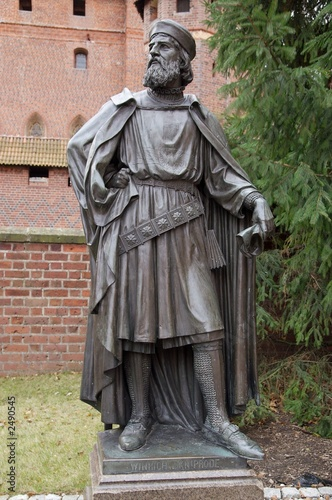 sculpture in malbork