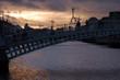 la nuit se couche sur le pont