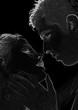 amoureux s'embrassant