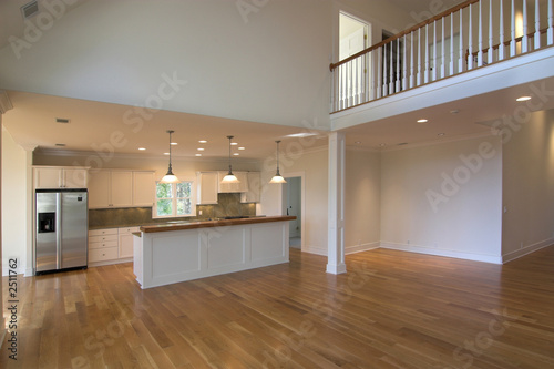 open floorplan livingroom and kitchen