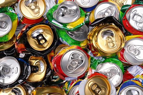 pressed beer cans - 2553585