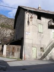 façade.