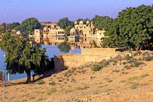 india, rajasthan, jaisalmer: the lake near jaisalmer