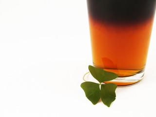 st patricks day beer and shamrock