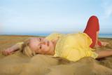 bella bionda al mare 3 poster