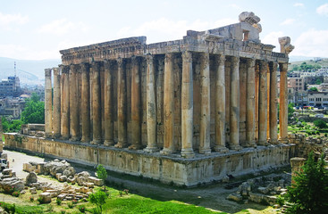 temple of bacchus in baalbek