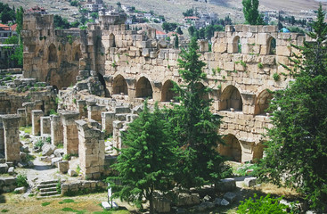 ruins of baalbek