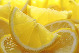 Fototapety freshly sliced lemons.