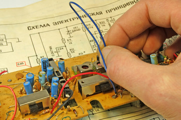 repair of an old radio receiver 1.