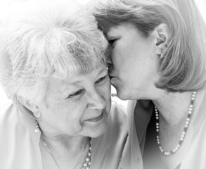 kiss for mom bw
