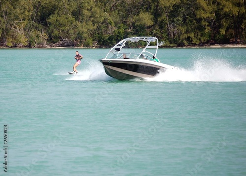 wake board tow boat