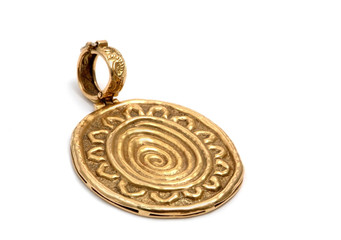 antique brooch in gold