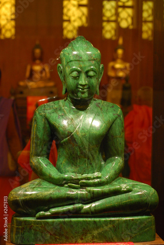 jade buddha statue stockfotos und lizenzfreie bilder auf bild 2675113. Black Bedroom Furniture Sets. Home Design Ideas