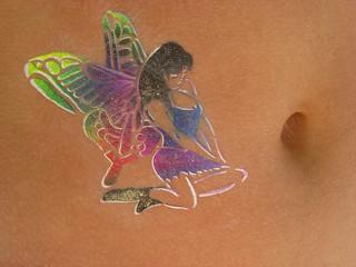 tatouage sur le ventre