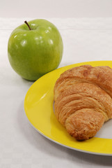croissant and apple
