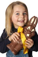 enfant et chocolat de pâques