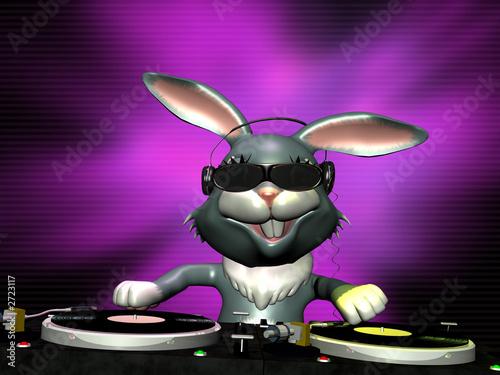 e bunny spinning some vinyl - 2723117