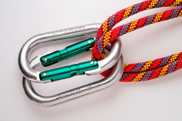 mountaineering: doubled oval aluminium carabiners
