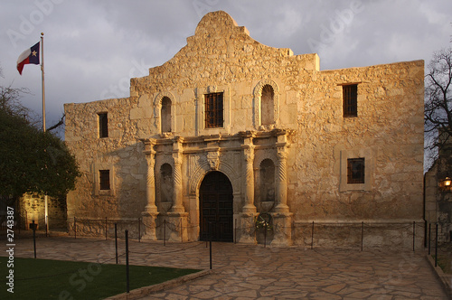 Foto op Plexiglas Texas the alamo blazing in the light.