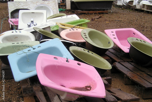 used sinks - recycled building materials