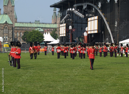 changing guard in front of the canadian parliament