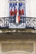 hôtel de ville et drapeau