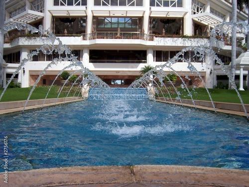 Leinwanddruck Bild fountain at the grand wailea